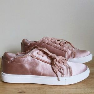 Kenneth Cole Joey 2 Sneakers Pink Satin Size 11